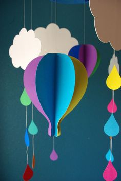 It's official. We've discovered the sweetest nursery decorations on the planet! Whether you make it for yourself or a friend, Happiness is Homemade's DIY Hot Air Balloon Mobile is sure to charm Vbs Crafts, Diy And Crafts, Paper Crafts, 3d Paper, Diy Room Decor, Nursery Decor, Room Decorations, Nursery Ideas, Diy For Kids