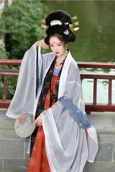 长安月 (hanfugallery: 重回汉唐 Traditional chinese fashion,...)                                                                                                                                                                                 もっと見る