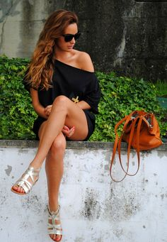 simple outfit black