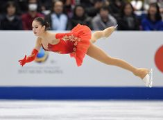 floor is taking responsibility for my actions me: Japanese Akita, Alina Zagitova, Ice Girls, Akita Dog, Medvedeva, Wtf Face, Ice Skaters, World Pictures, Wonderful Picture