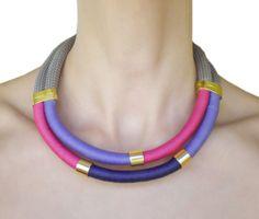 Collana di triplicecolore corda. di MyHandmadeJewels su Etsy, €16.00