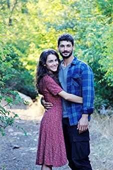 Hafsanur Sancaktutan And Deniz Can Aktas In Ask Aglatir 2019 Turkish Actors Actors Couple Goals