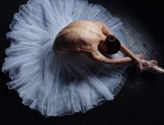 La extrema delgadez de las bailarinas también se ve reflejada en sus fotos. No podemos olvidar que la anorexia y la bulimia son los trastornos más comunes de alimentación que sufren muchas de ellas. (Foto: Instagram / @darianvolkova).