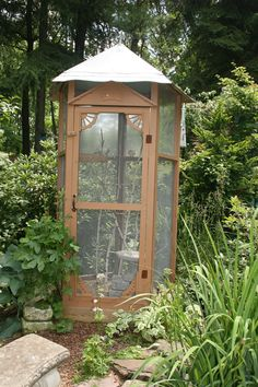 Dove aviary in the garden #howtobuildanaviary