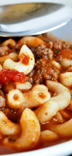 American Goulash this is my family recipe! Honestly, it's the BEST! Great dinner!!! #AmericanGoulash Beef Dishes, Pasta Dishes, Food Dishes, Main Dishes, Hamburger Dishes, I Love Food, Good Food, Yummy Food, Tasty