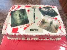 The Walking Dead Birthday Cake Walking Dead Birthday Cake, Walking Dead Cake, Zombie Birthday, Cool Cake Designs, Dead Zombie, Types Of Cakes, Daiquiri, Cakes And More, Amazing Cakes