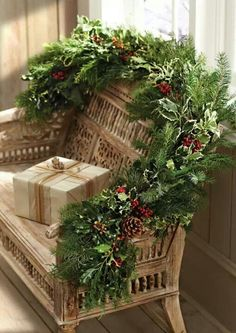 Christmas decor...LOVE it for my porch bench!