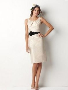 Sheath/Column Scoop Hand-Made Flower Sleeveless Knee-length Taffeta Bridesmaid Dress