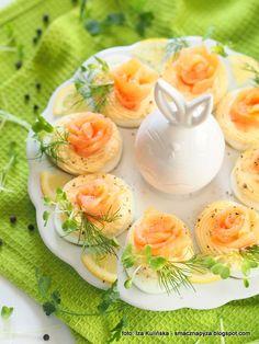 jajeczka_z_lososiem_i_chrzanem Cantaloupe, Food And Drink, Yummy Food, Fruit, Delicious Food