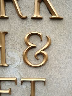 Found this excellent hold ampersand today.