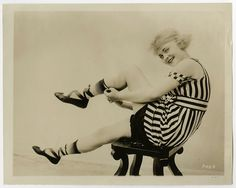 The Flapper Girl Silent Screen Stars, Old Images, Bathing Beauties, Movie Photo, Silent Film, Mode Vintage, Beautiful Legs, American Actress, Vintage Photos