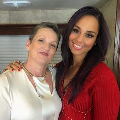 """Alicia Keys: """"It's been so fly performing with my momma, the woman who gave me wings! Shout to mama keys! Alicia Keys Family, The Most Beautiful Girl, Beautiful Women, Mixed People, Empire State Of Mind, Code Black, Star Wars, Famous Stars, Celebrity Moms"""