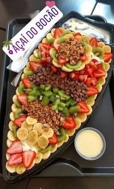 Quem vai te dar a barca do Açaí Do Bocão de Natal? Ice Cream Tumblr, Fruit Party, Perfect Food, Food Cravings, Junk Food, Food Truck, Fruit Salad, Food Hacks, Food Art