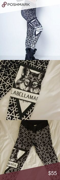 La Bella Mafia Leggings (Wolf) Beautiful design. Shape forming material. Not sold anymore on the site. Tag was cut for comfortability. Labellamafia ; la bella mafia ; labella mafia ; Brazilian brand, fitness,  workout,  gym, La Bella Mafia Pants Leggings