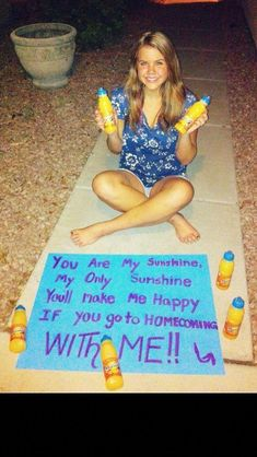 Ask to dance with Sunny Delight Bitten Sie, mit Sunny Delight zu tanzen Cute Homecoming Proposals, Hoco Proposals, Prom Pictures Couples, Prom Couples, Prom Photos, High School Dance, School Dances, Dance Proposal, Proposal Ideas