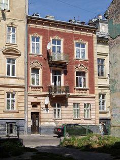 10 Kyryla i Mefodija Street, Lviv (01).jpg