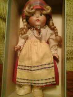 VINTAGE VOGUE TODDLES 1940 BEAUTIFUL GRETEL IN MARKED BLUE BOX #DollswithClothingAccessories
