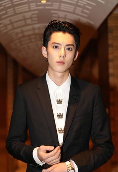 Didi is hecka good looking Asian Celebrities, Asian Actors, Chengdu, Asian Boys, Asian Men, F4 Boys Over Flowers, Kdrama, Shan Cai, Meteor Garden 2018