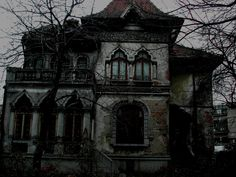 Image by Maitreyi. Abandoned house in Bucharest. The two top windows look like eyes and the door a mouth. Old Buildings, Abandoned Buildings, Abandoned Places, Mansions Homes, Abandoned Mansions, Abandoned Plantations, Creepy Houses, Haunted Houses, Dark Images