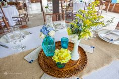 Casamento vintage-rústico amarelo e azul