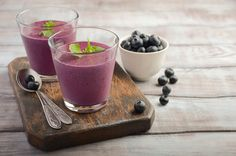 These 20 Recipes Will Work Wonders Healthy Smoothies, Healthy Drinks, Smoothie Recipes, California Almonds, Colorful Drinks, Cucumber Juice, Brittle Nails, Raw Almonds, Pomegranate Juice