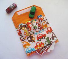 Ótima ideia pro Enzo carregar seus carrinhos! Ameeiiii!  http://www.etsy.com/listing/89392114/the-original-car-wallet-with-pocket
