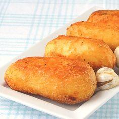 How to Make Perfect English Style Roasted Potatoes. Super crispy & fluffy! English Roast, English Food, English Style, English Recipes, Roasted Potato Recipes, Roasted Potatoes, Crispy Potatoes, Roasted Garlic, Russet Potatoes