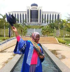Welcome to NewsDirect411: A Nigerian Emerges Best Graduating Masters Student...