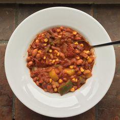 Chili Sin Carne, Vegetarian Recipes, Healthy Recipes, Tex Mex, Chana Masala, Food And Drink, Veggies, Soup, Diet