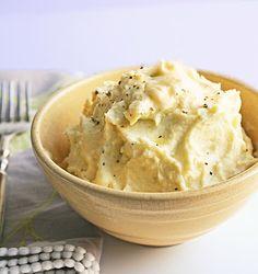 "I'm Hungry.: ""Better than Potatoes"" Cheesy Cauliflower PureeI Breathe. I'm Hungry.: ""Better than Potatoes"" Cheesy Cauliflower Puree Side Recipes, Low Carb Recipes, Vegetarian Recipes, Cooking Recipes, Easy Recipes, Cheesy Mashed Cauliflower, Cauliflower Puree, Cauliflower Potatoes, Purple Cauliflower"