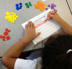Sorting and graphing buttons! Such a fun and easy first week of school activity. Recording sheet freebie on blog post!
