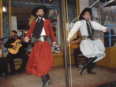 """baile folclorico"""""""" Malambo"""""""" destreza que muestra el gaucho, con series de zapateos, al compas de notas musicales"""