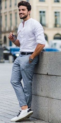 Street style looks for men - - Street style looks for men Street style looks for men <!-- without result -->Related Post The Best Street Style Looks From Milan Fashion Wee. Formal Men Outfit, Men Formal, Formal Dresses For Men, Formal Shirts For Men, Formal Outfits, Mens Fashion Blog, Mens Fashion Suits, Mens Fashion 2018, Urban Fashion