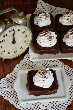 Prajitura Ora 12 - CAIETUL CU RETETE Sugar Cookies Recipe, Cookie Recipes, Romanian Food, Romanian Recipes, Oras, Biscotti, Food And Drink, Pudding, Cooking
