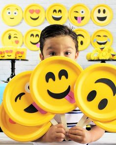Oh Happy Day! Lots of Emoji Party Madness happening over on the @orientaltrading blog! Including my tutorials for props, a backdrop and decor plus Emoji Popcorn Balls! Yum!!