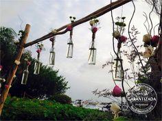 Arco decorado de botellas  #LoveMemoriesWeddings #Weddings #BeachWeddings #DestiantionWeddings