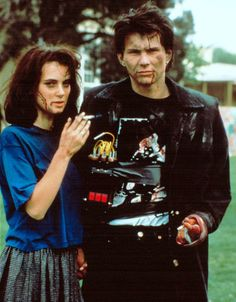 """Winona Ryder and Christian Slater as Veronica Sawyer and JD in """"Heathers"""" Halloween costume idea This would be soooo perfect! My favorite movie! Veronica Heathers, Jd And Veronica, See Movie, Movie Tv, 80s Movies, Iconic 90s Movies, Cult Movies, Funny Movies, Heathers The Musical"""