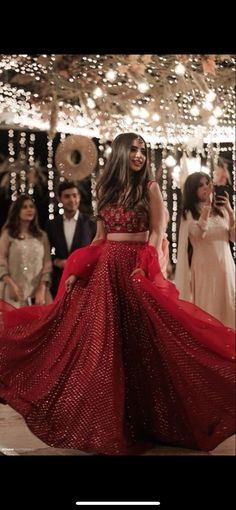 Indian Gowns Dresses, Indian Fashion Dresses, Indian Designer Outfits, Bridal Dresses, Indian Wedding Dresses, Red Saree Wedding, Wedding Sherwani, Bridesmaid Gowns, Modest Wedding