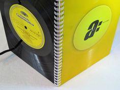 **2017 wird bunt! Kalender für  2017 mit zahlreichen Features, und hochwertigem Papier, Luxus Ausführung mit Vinyl Color Schallplatte**  Stylischer BUCHKALENDER, Wochenplaner, Wochenkalender,...
