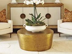 15 Brass Coffee Tables You'll Love - Cool Things to Buy 247 Coffee Tables For Sale, Coffee Table Rectangle, Brass Coffee Table, Coffee Table Styling, Glass Top Coffee Table, Table Decor Living Room, Fun Cup, Cool Things To Buy, Stuff To Buy