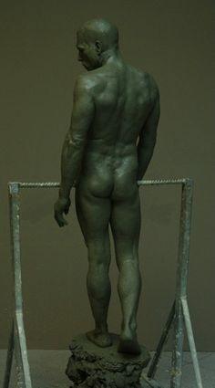 Mitch Shea at the Florence Academy of Art. Human Sculpture, Art Sculpture, Pottery Sculpture, Zbrush, Florence Academy Of Art, Traditional Sculptures, Man Anatomy, Poses, Erotic Art