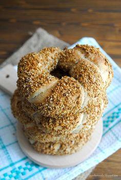 Pane, burro e alici: Simit, ciambelle di pane turco al sesamo