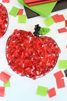 Easy Apple Craft for Back to School Preschool Art Activities, Apple Activities, Easy Toddler Crafts, Toddler Art, Autumn Crafts, Summer Crafts, Craft Projects For Kids, Diy For Kids, Fruit Crafts