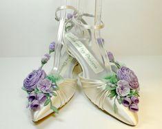 Lilac Lavender Bride's Princess Kitten Heel Ribbon Flower Bride's Shoes Weddings