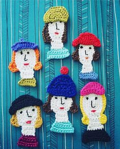 Look at these lovely ladies! Free Form Crochet, Crochet Art, Cute Crochet, Crochet Motif, Crochet Patterns, Crochet Leaves, Crochet Flowers, Puppet Patterns, Creative Arts And Crafts