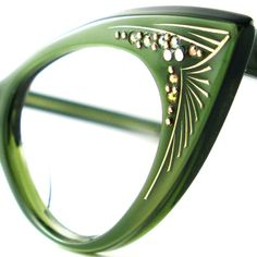 Cat Eye Glasses Green Vintage Eyeglasses- If ever I need spectacles, I'll take them in a green color, like these.