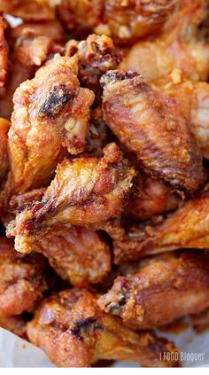 Baked Chicken Wings A recipe for the best baked chicken w.- Baked Chicken Wings A recipe for the best baked chicken wings that are extra crispy on the outside and very tender and most on the i… Chicken Thights Recipes, Chicken Parmesan Recipes, Chicken Salad Recipes, Recipe Chicken, Chicken Meals, Best Baked Chicken Wings, Crispy Baked Chicken Wings, Crispy Baked Wings, Fried Chicken