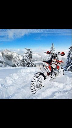 Motocross in the snow !