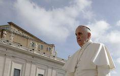 """O Papa Francisco no Vaticano nesta quarta-feira (29 )Papa considera um """"escândalo""""salários menores para mulheres, elas possuem os mesmos direitos e pediu maior papel das mulheres na igreja católica."""