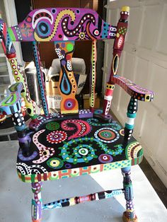 funky painted furniture KIMagination: My Magical Chair, painting tutorial Would be so fun for friends /family to paint chairs . Hand Painted Chairs, Whimsical Painted Furniture, Painted Stools, Painted Boxes, Hand Painted Furniture, Funky Furniture, Refurbished Furniture, Colorful Furniture, Art Furniture